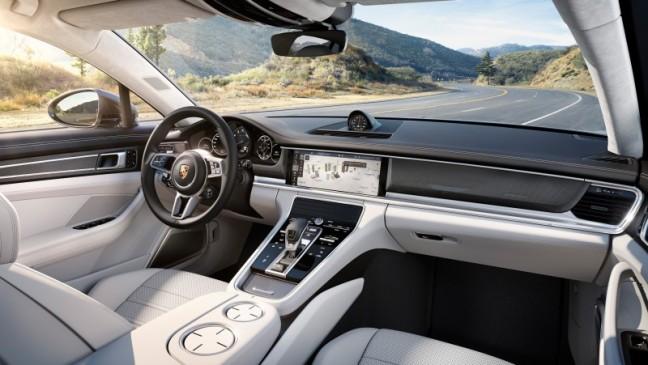 2016 Porsche Panamera Turbo 4