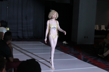 LAS VEGAS SWIM WEEK SEASON 1 (88)