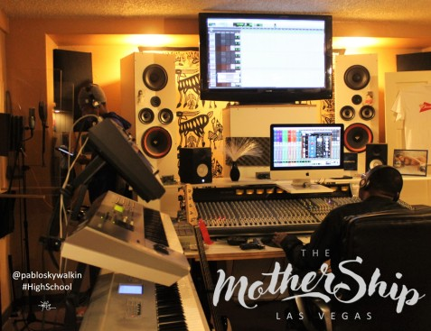 PABLO SKYWALKER + DJROB313 IN THE MOTHERSHIP BY DLG (4)